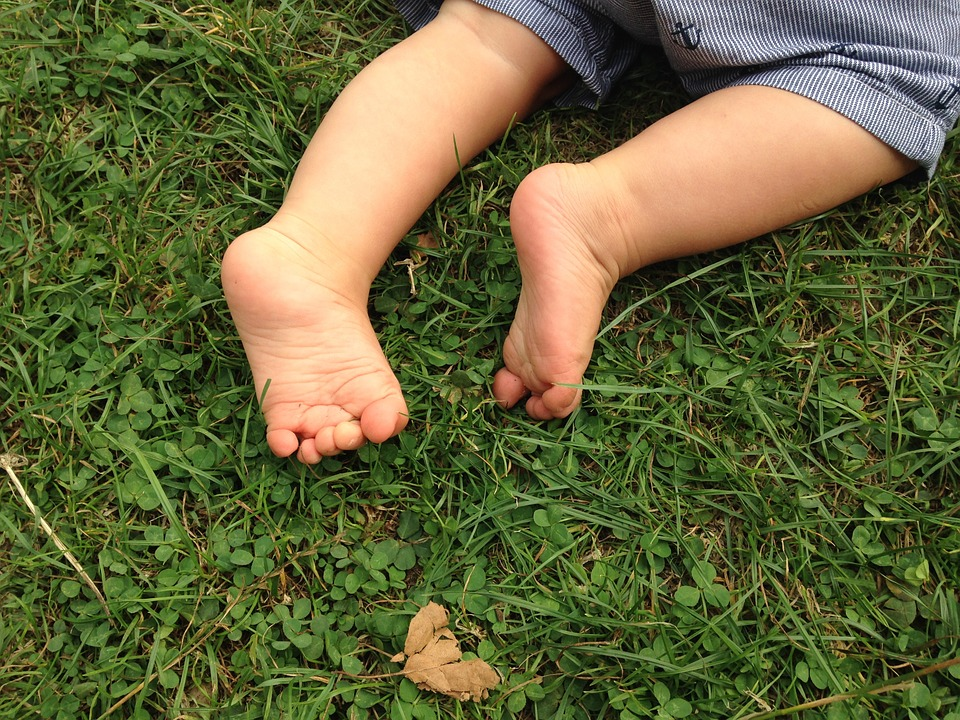 feet-990164_960_720